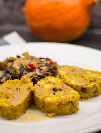 Kürbisserviettenknödel mit Mangold-Pilz-Gemüse