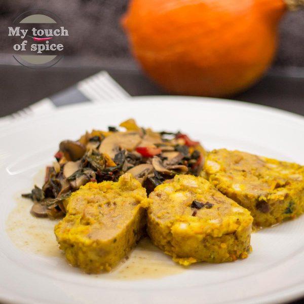 Kürbis-Serviettenknödel mit Mangold-Champignon-Gemüse