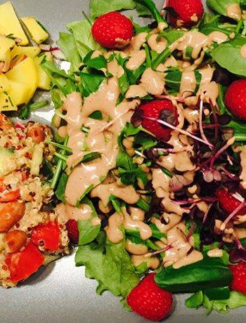 Salat mit Walnussdressing